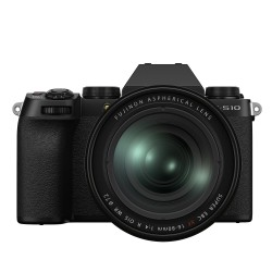 Fujifilm X-S10 + 16-80mm kit